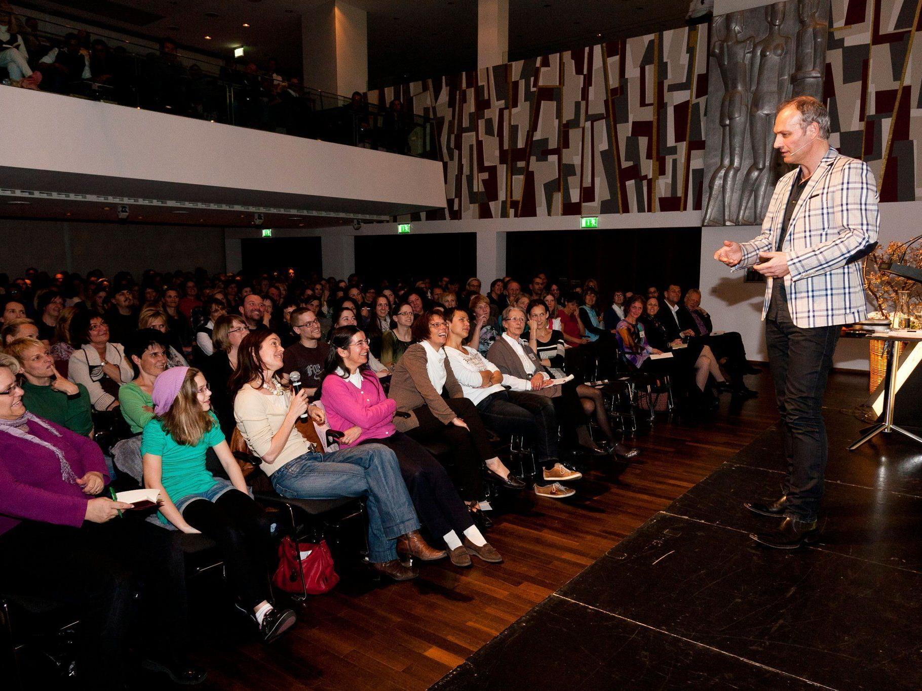 Matthias Pöhm begeisterte über 300 Besucher bei seinem Vortrag im Vinomnasaal.
