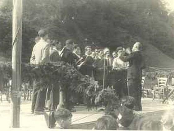 Der Liederhort begleitete erstmals am 15. August 1950 das Feuerwehrfest in Tosters.