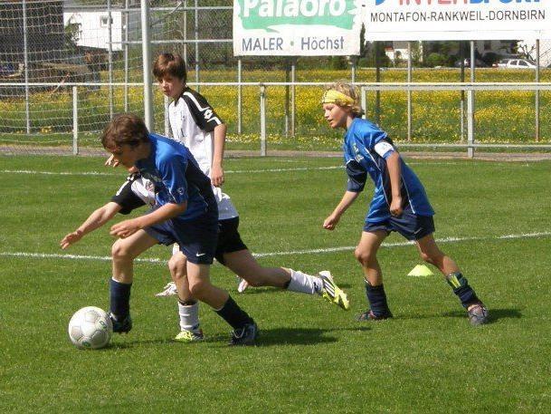 Die Admira-Youngsters (in blau) gewannen das Stadtderby.