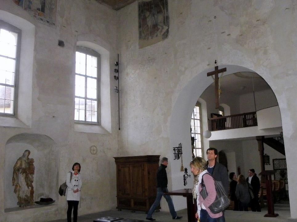 Besucher bewunderten die Fresken der Martinskapelle