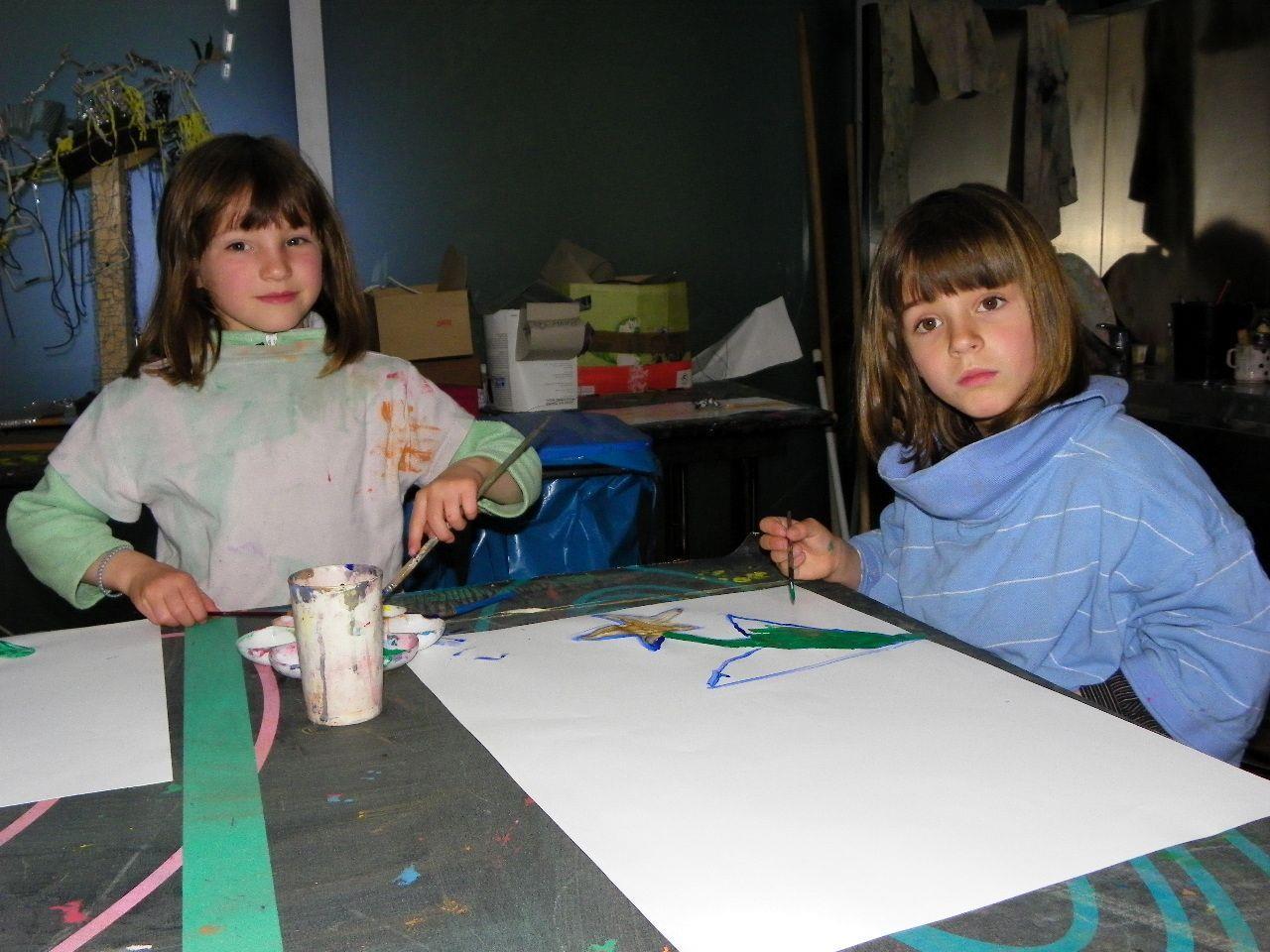 Lorena und Jenny sind vom Workshop begeistert