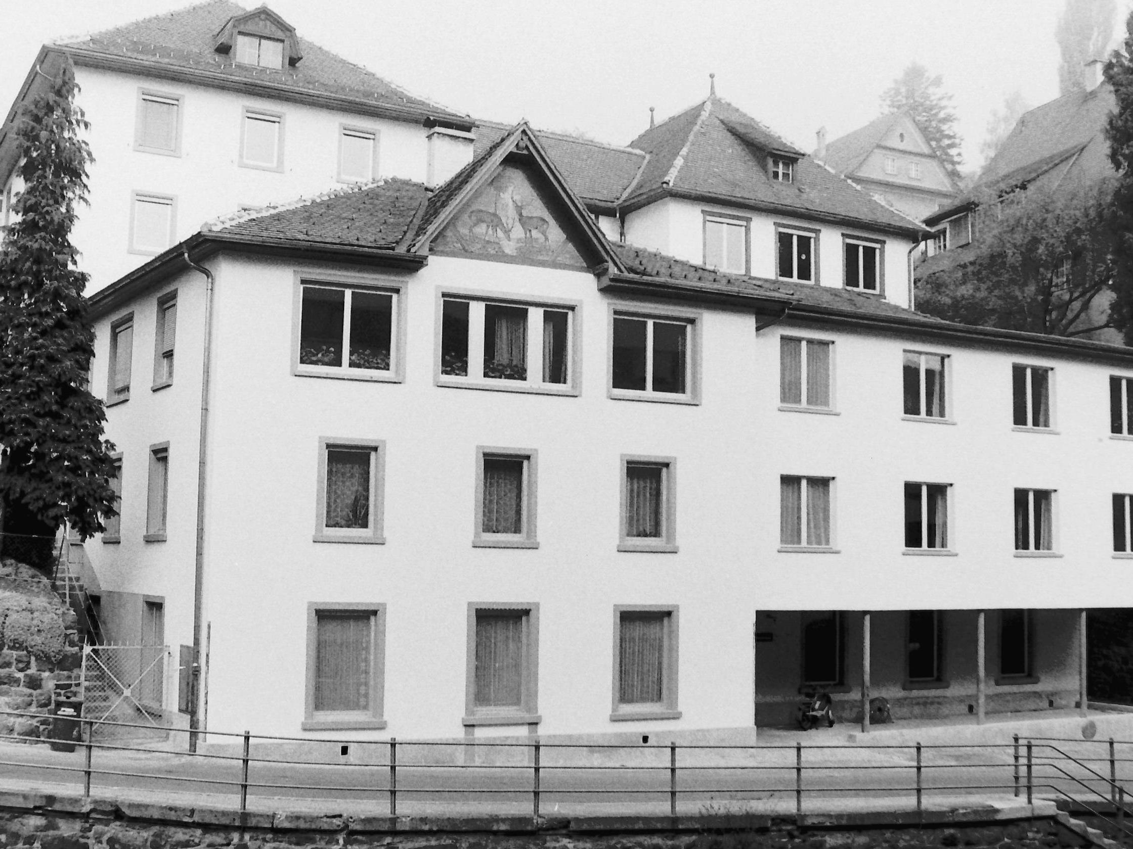 Das Xaveriushaus wurd 1919 vom Gasthaus Hirschen in ein Bubeninternat umgebaut