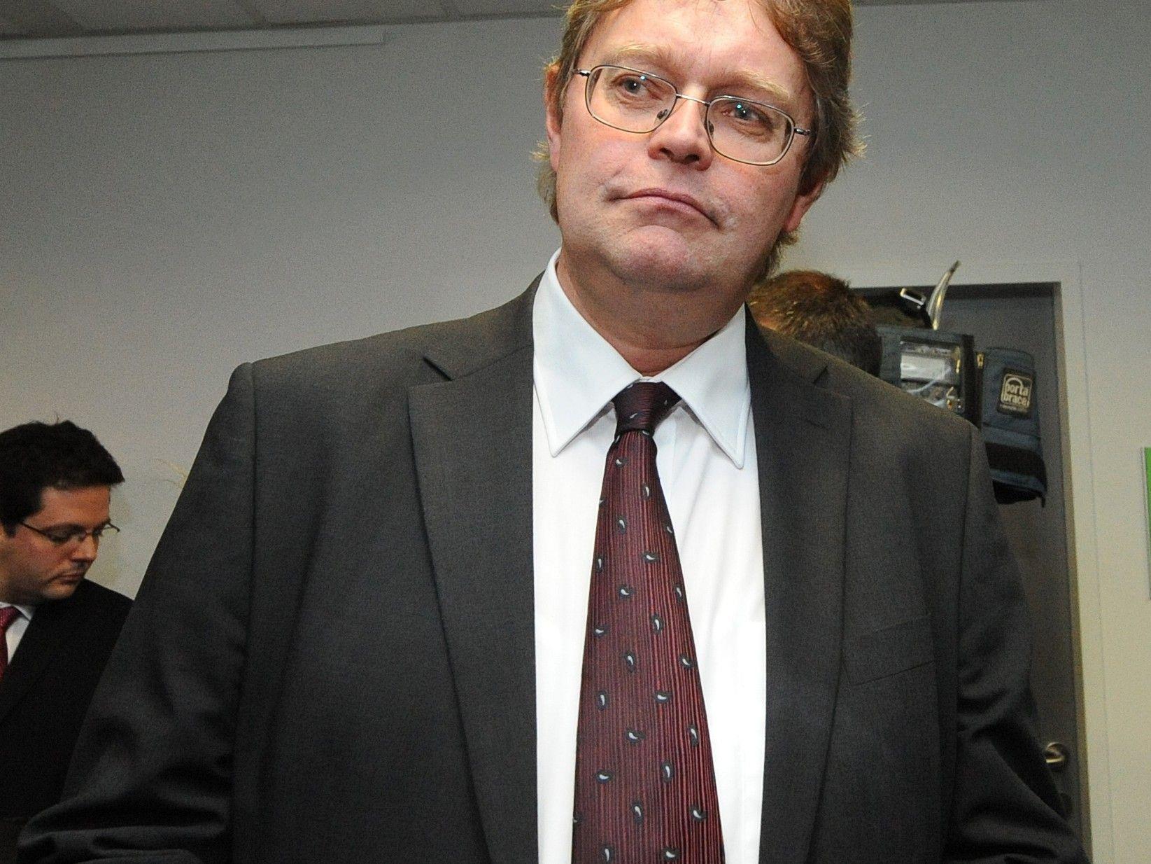 Peter Kolba vom VKI wirft dem AWD bei der Vermittlung von Immoblienaktien systematische Fehlberatung vor.