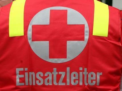 Der 23-jährige ist nach dem Unfall schwer verletzt.