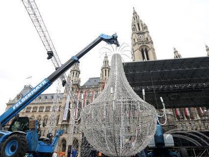Life Ball 2012: Die Aufbauarbeiten sind im vollen Gange