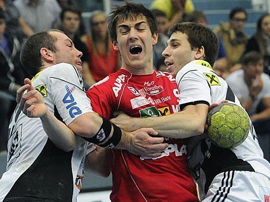 Boris Zivkovic, mit 20 Jahren jüngster Hard-Spieler, konnte sich beim 40:39-Erfolg im ersten Duell drei Mal in die Torschützenliste eintragen.