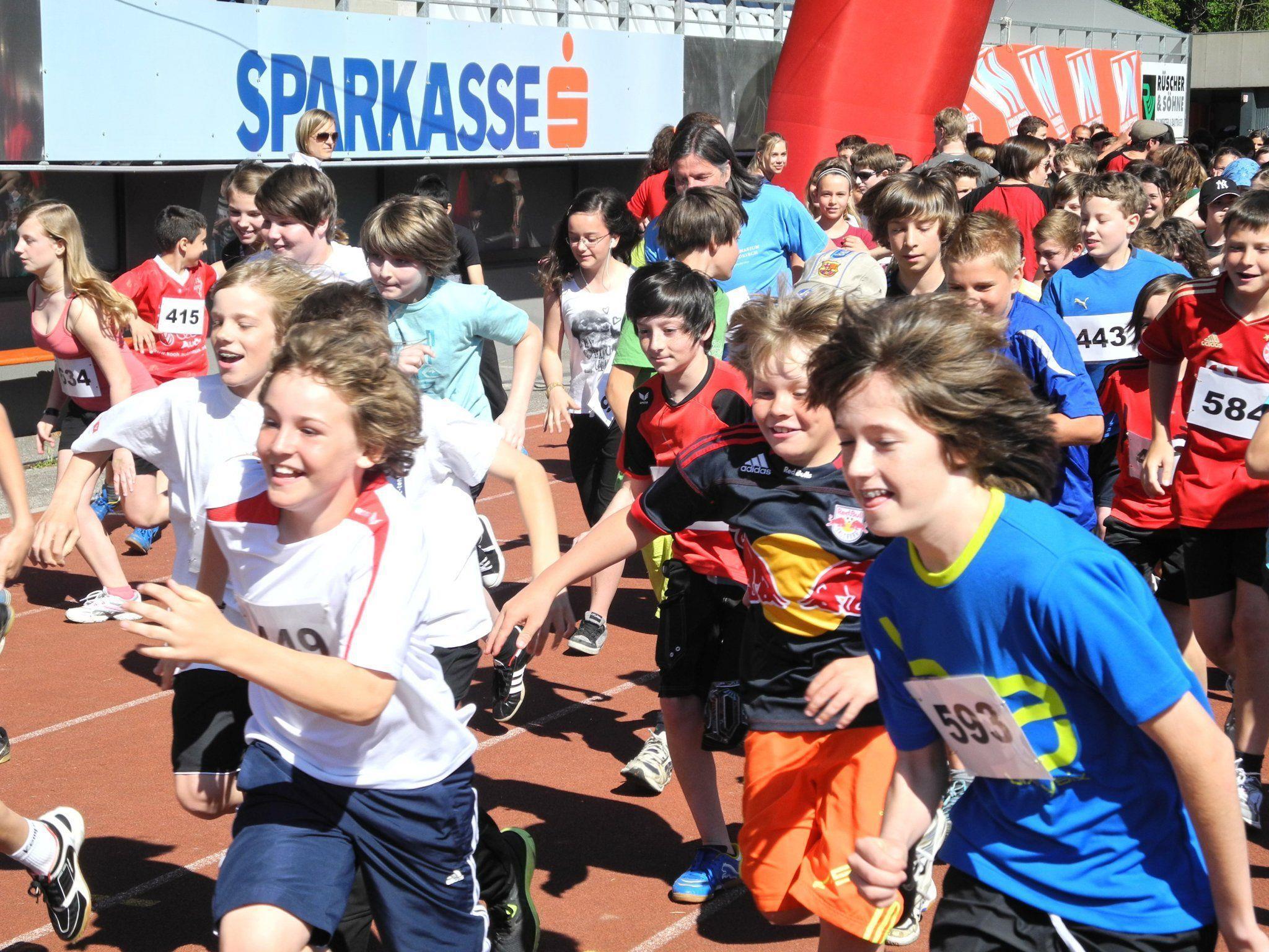 Mit großer Begeisterung und enormen Einsatz liefen die Schülerinnen und Schüler gegen die Armut in Vorarlberg
