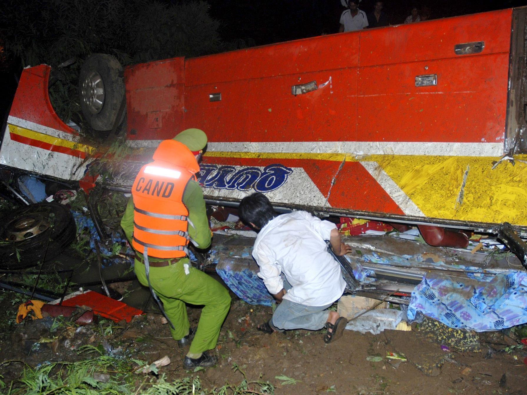 34 Tote und 21 Verletzte bei Busunfall in Zentralvietnam