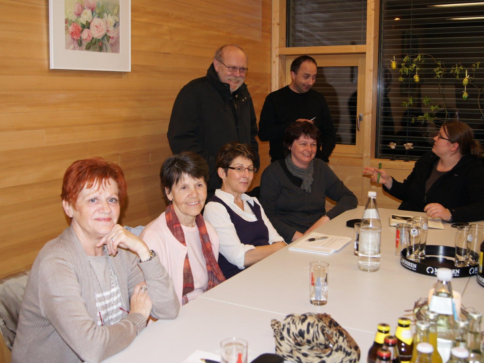 Konstituierende Sitzung mit Pfarrer Josef Drexel und Kaplan Pio Reinprecht.