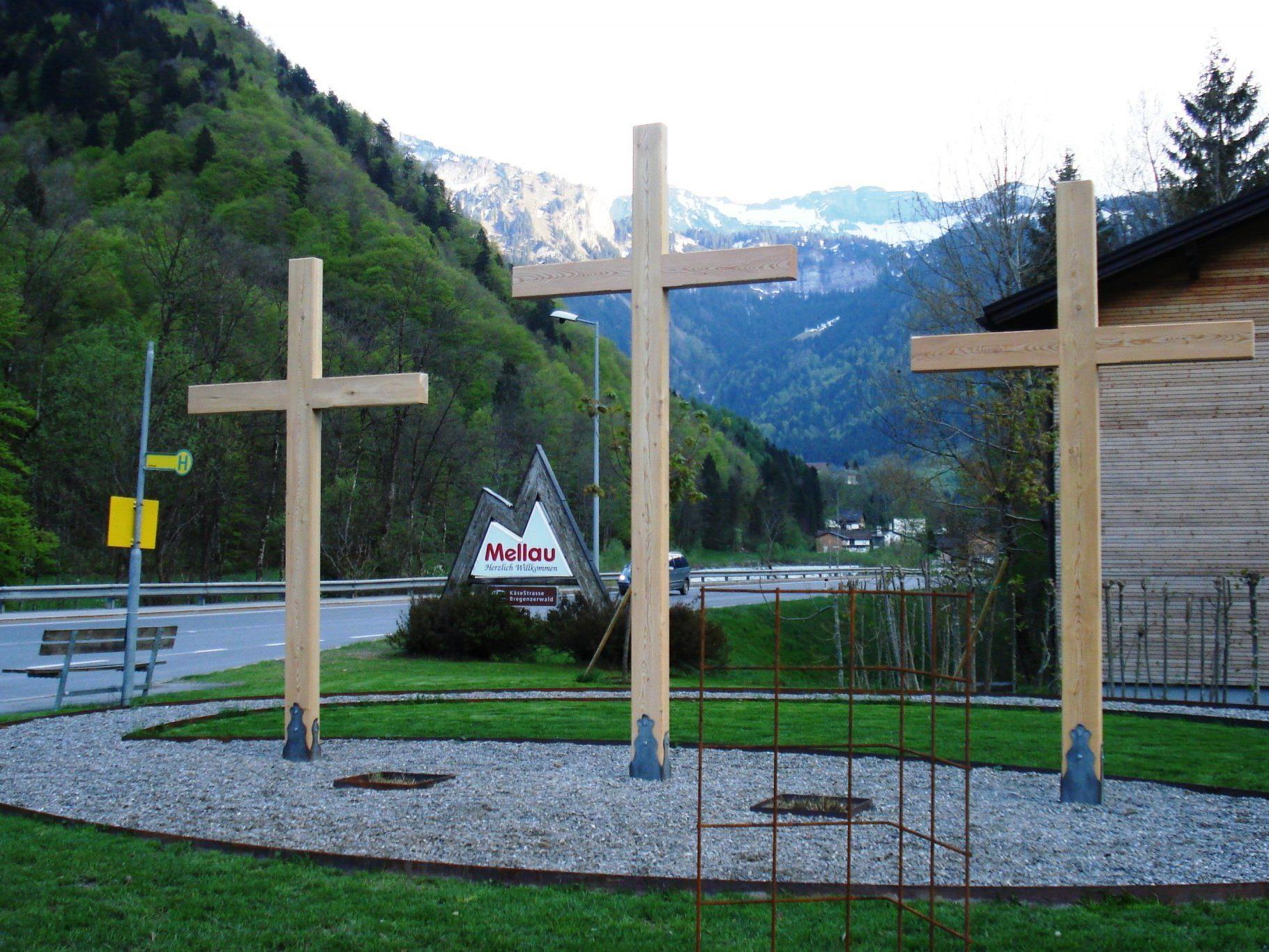 Die drei Kreuze in neuem Glanz