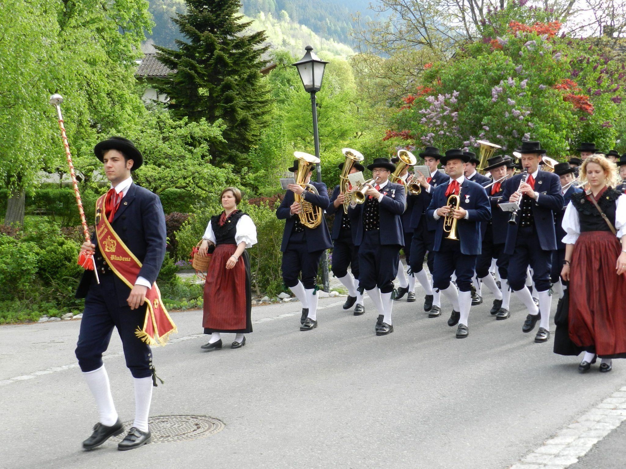 Die Stadtmusik erfreute mit ihren Weisen die Bevölkerung.