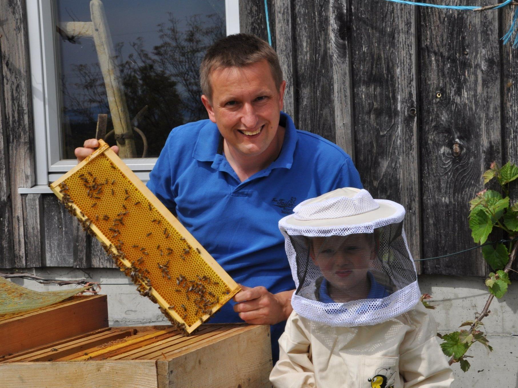 Obmann Martin Kohler lädt zum großen Bienen-Event.
