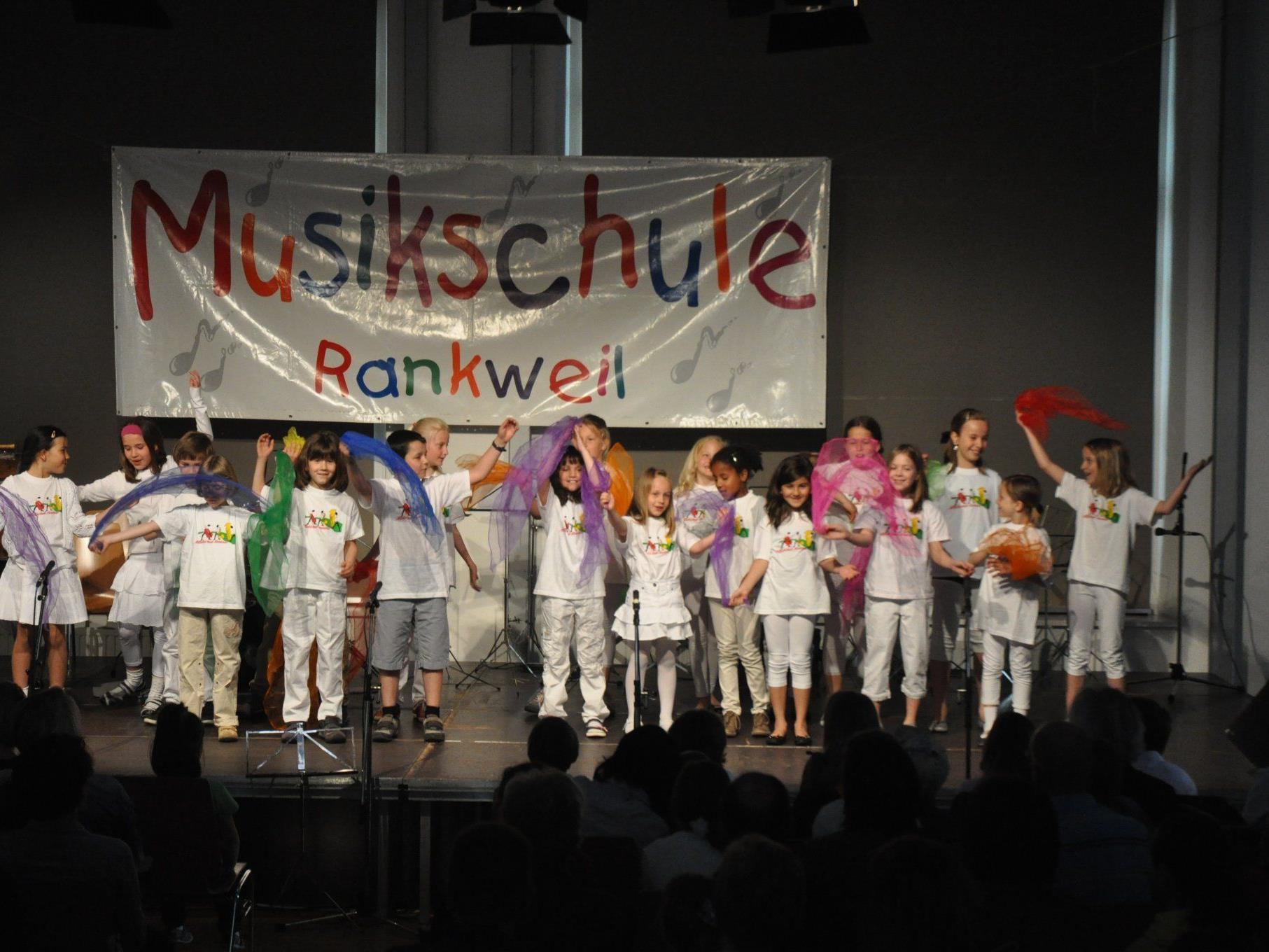 Begeisterten die vielen Zuhörer, die Jüngsten der Musikschule Rankweil-Vorderland.