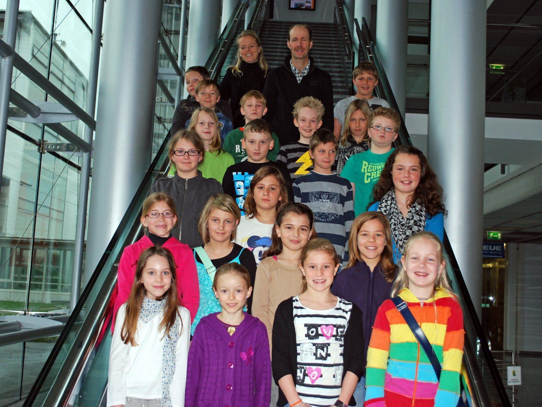 Die  4. Klasse der VS Hittisau besuchte das Vorarlberger Medienhaus.