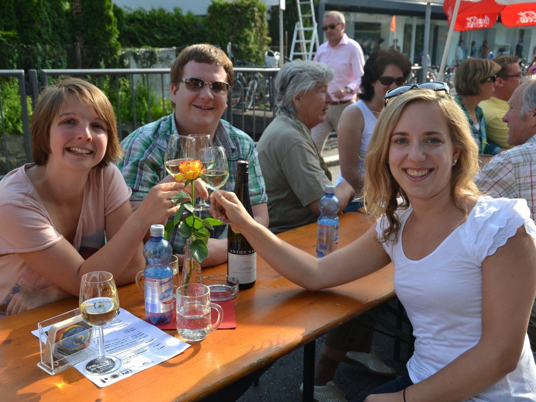(v.l.) Juliane, Mathias & Christina feierten in Götzis mit