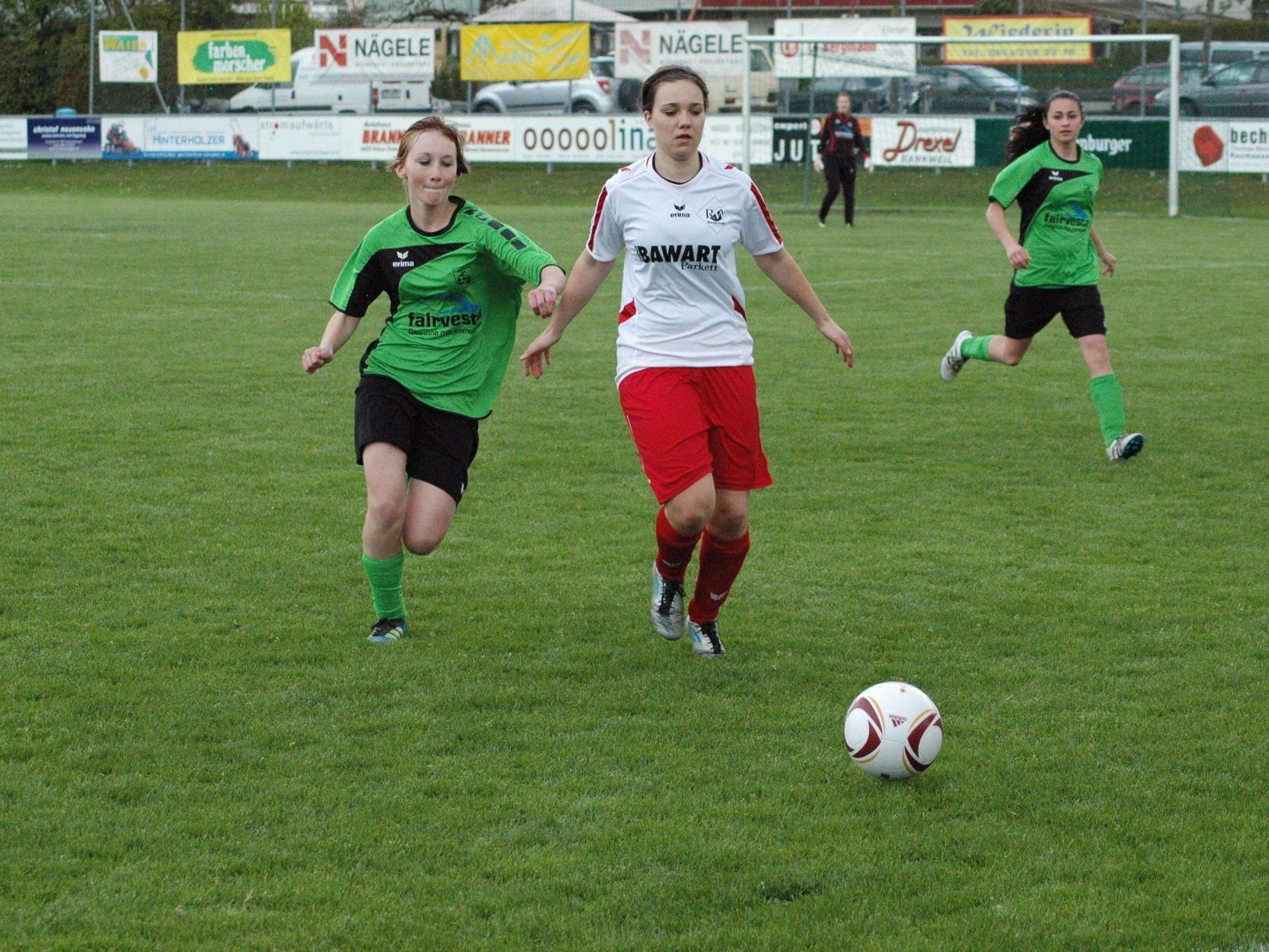 Erzielte den zweiten Rankweil Treffer Julia Schnetzer (Mitte)