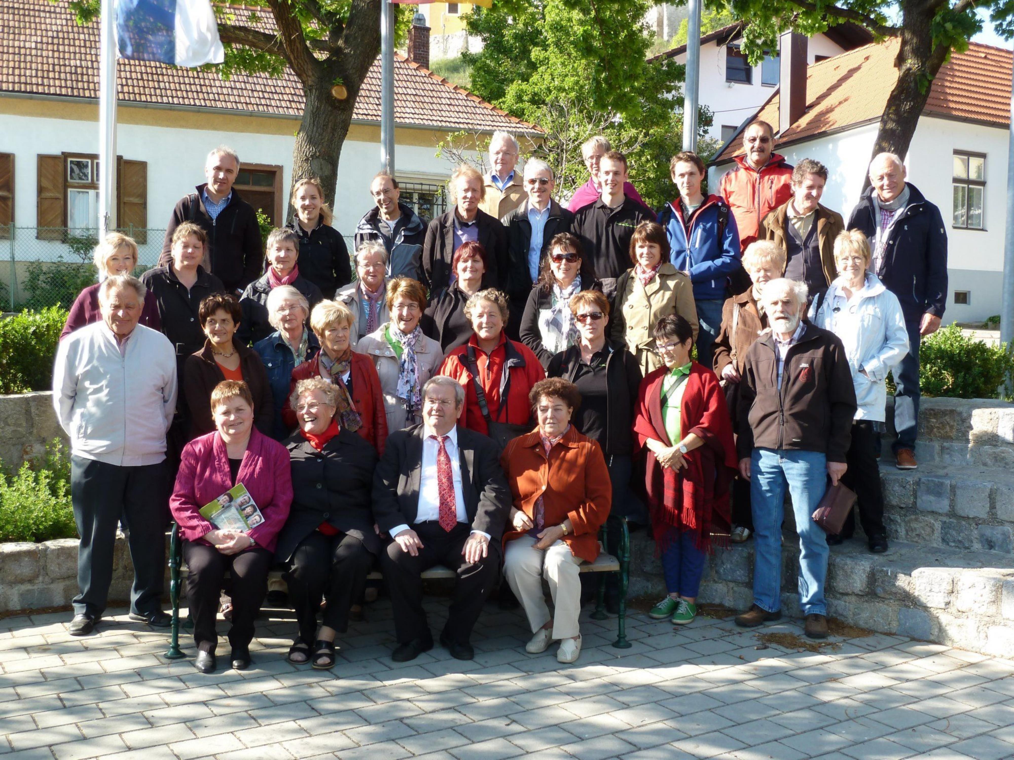 Die Harmonie mit dem Donnerskirchner Bürgermeister Josef Frippus (vorne mitte)