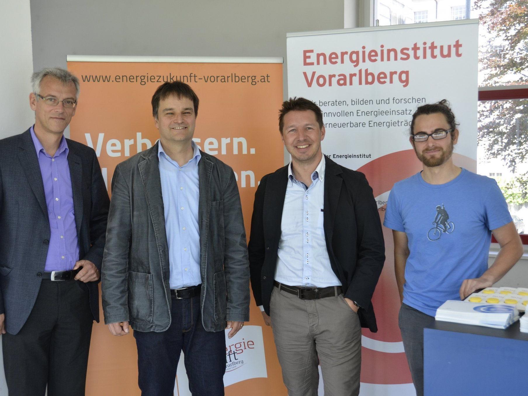 Josef Burtscher/Geschäftsführer des Energieinstitut Vorarlberg, Martin Ploss/Energieinstitut Vorarlberg, Elmar Draxl/Neue Heimat Tirol, David Frick/TU Graz (v.l.)