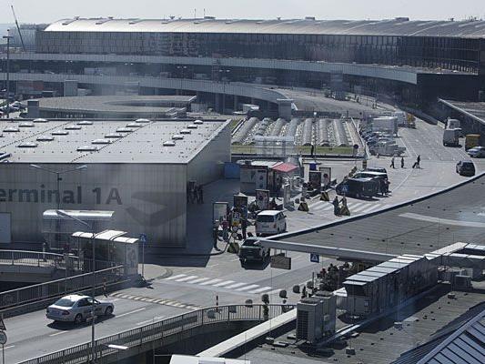 Am Flughafen Wien-Schwechat wurde eine Frau in einem Niki-Airbus verletzt