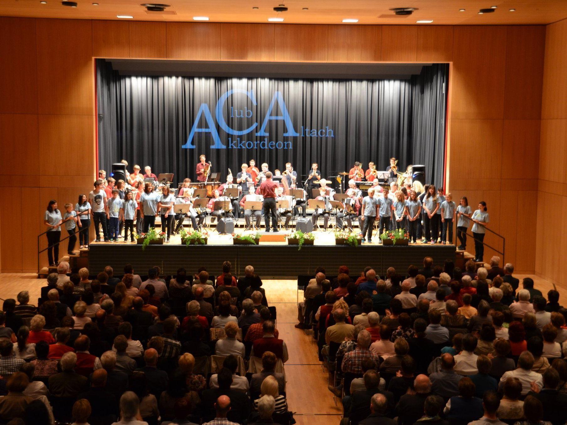 Akkordeon- und Blasmusik beim Frühjahrskonzert des ACA.
