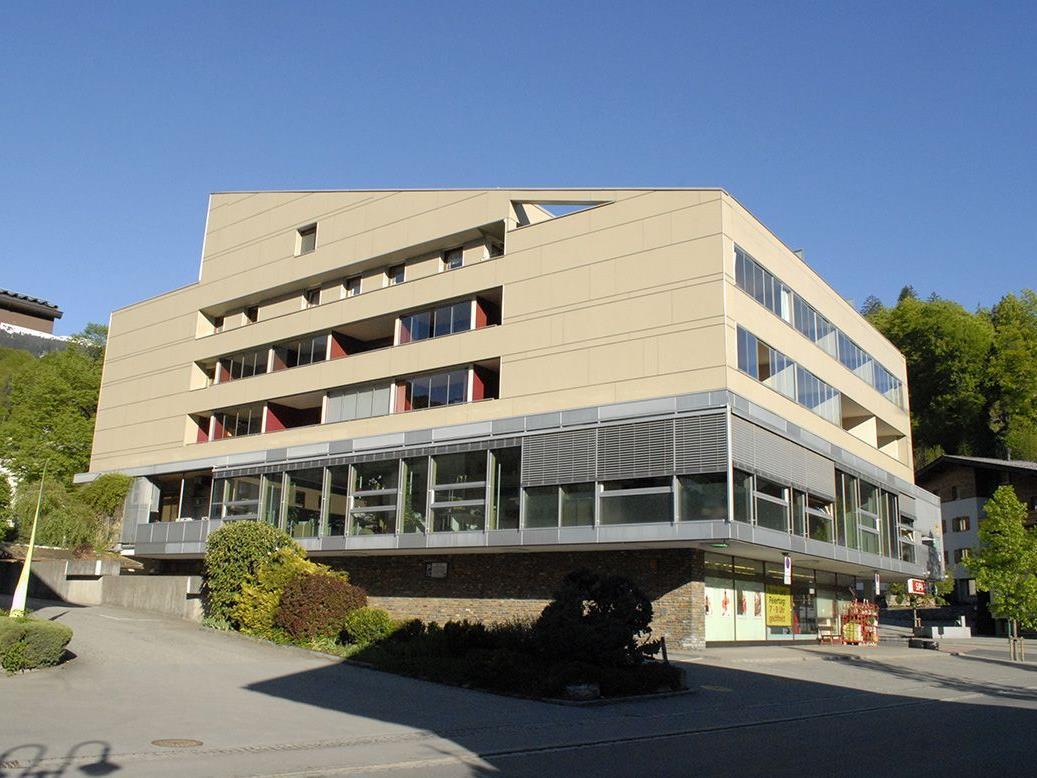 """""""losna - froga - schwätza"""" im Gemeindezentrum Tschagguns."""