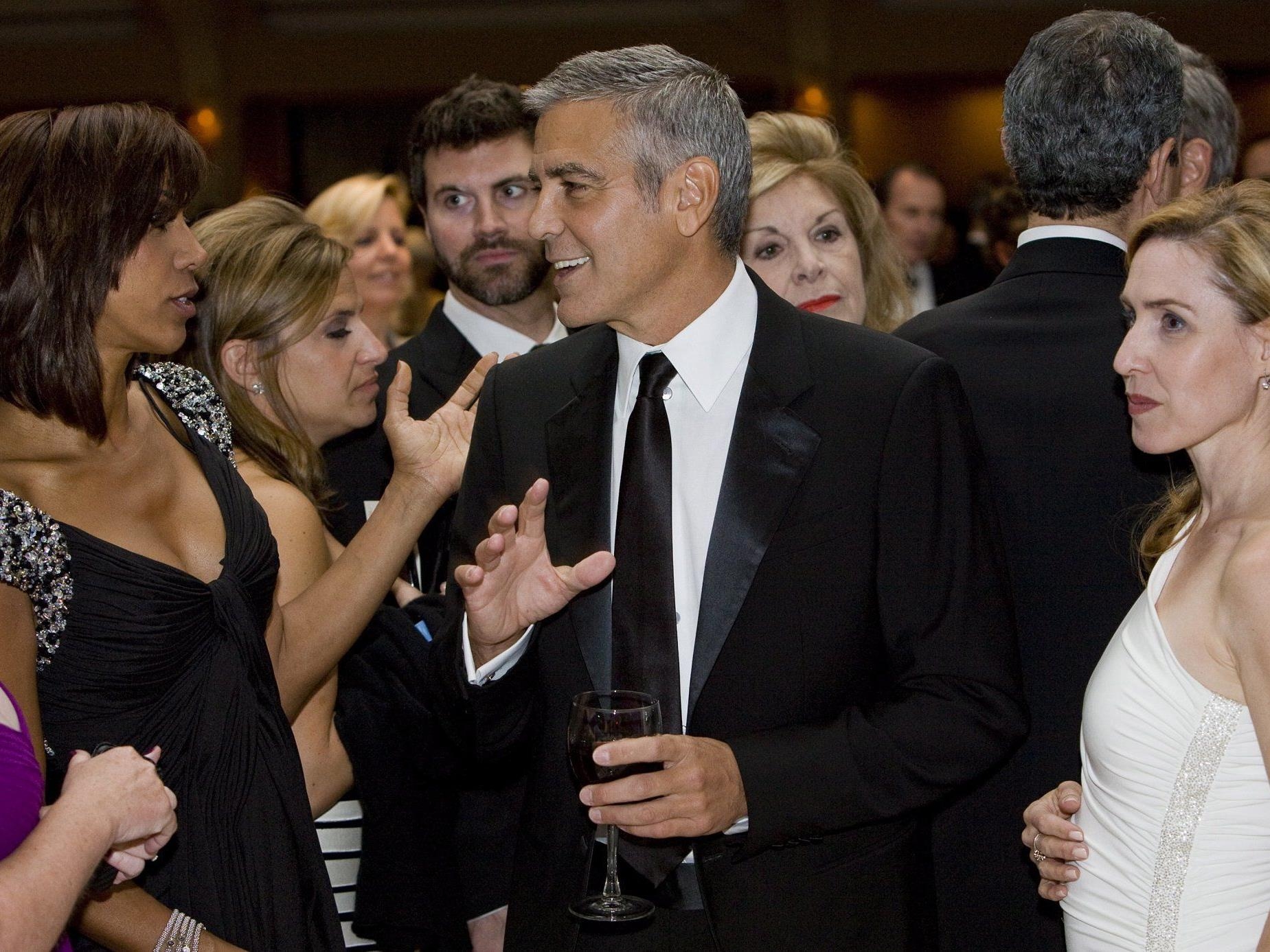 George Clooney genoss das Bad in der Menge