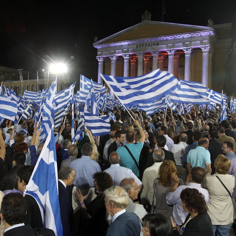 Das griechische Volk soll jetzt über den Euro selbst entscheiden.