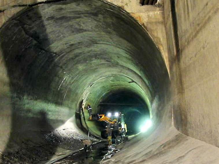 Der 1924 gebaut Tunnel durch den Blasenberg zur Hochwasserentlastung der Stadt und der Wasserzuführung für das Hämmerlekraftwerk