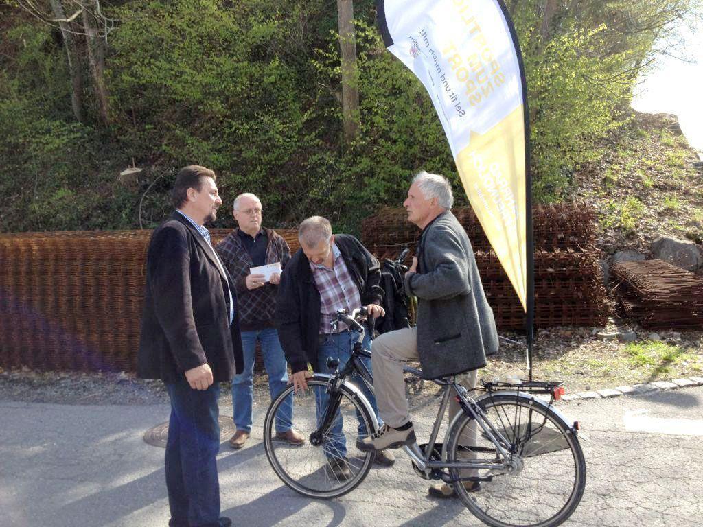 Hans Fetz, Robert Hasler und Alfred Köb bei der letzten Gutschein-Verteilaktion.