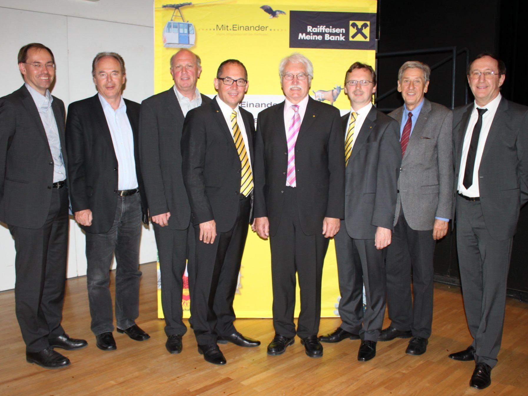 Das Führungsteam der Raiffeisenbank Leiblachtal – Vorstand und Aufsichtsrat – präsentierte der Genossenschaftsversammlung eine erfolgreiche Bilanz.