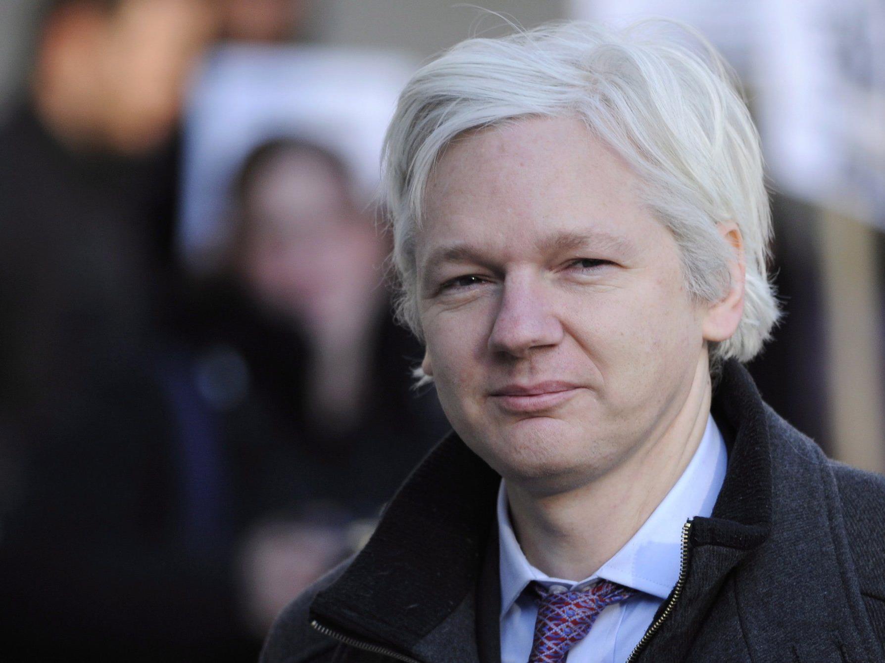 Wikileaks-Gründer findet über Parteigrenzen hinweg Unterstützung.