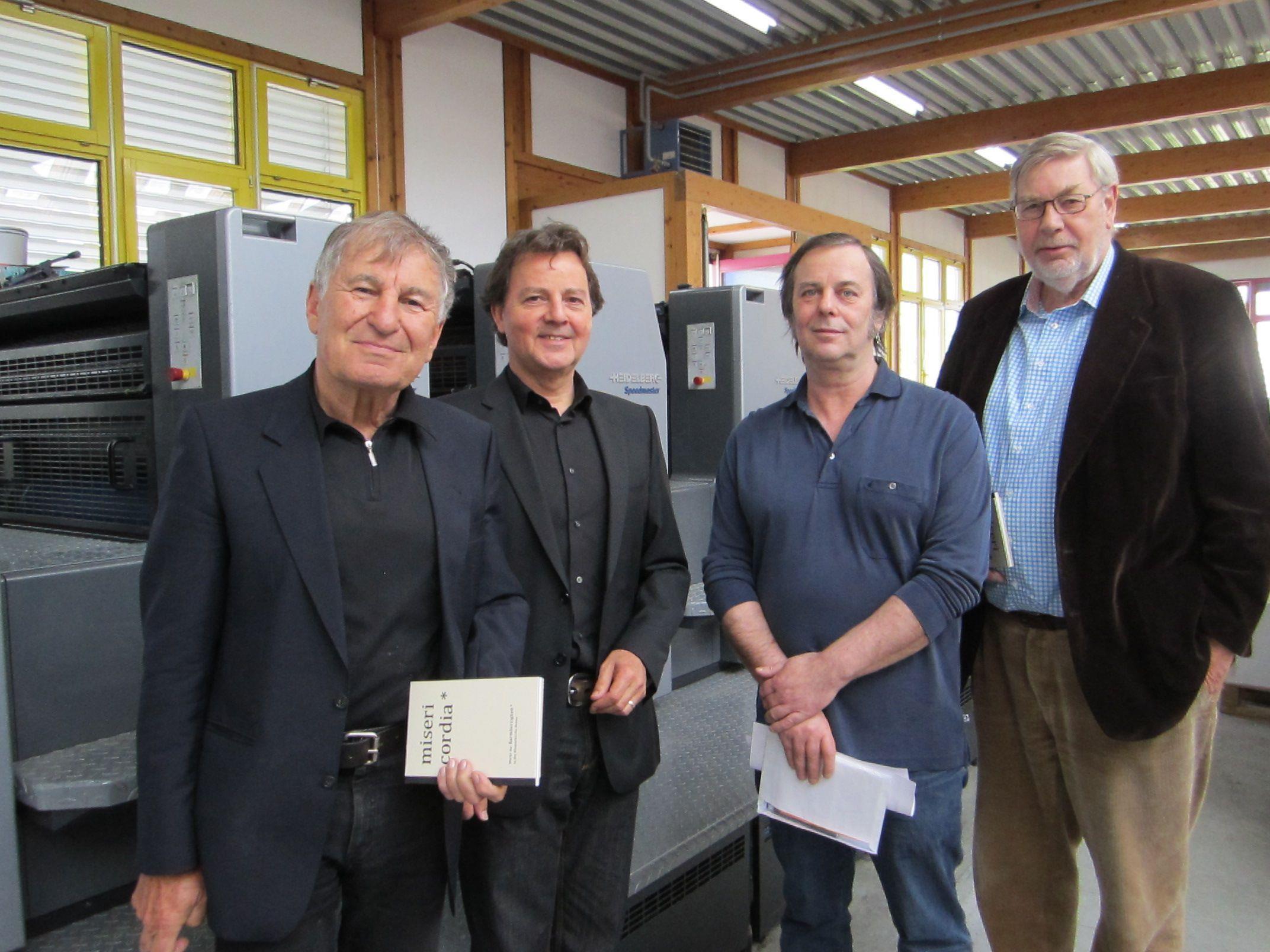 """Über das """"Werk der Barmherzigkeit"""" freuen sich Prof. Gerhard Winkler, Günter Bucher, Dietmar Waibel und DI Helmut Battlogg"""