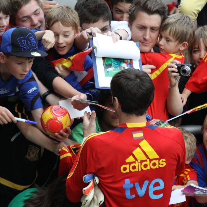 Spanien Training am Pfingstsonntag restlos ausverkauft.