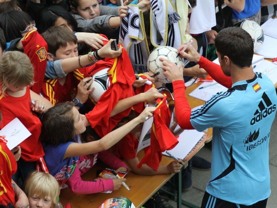 Der Spanische Verband hat das Training für den Pfingstsonntag abgesagt.
