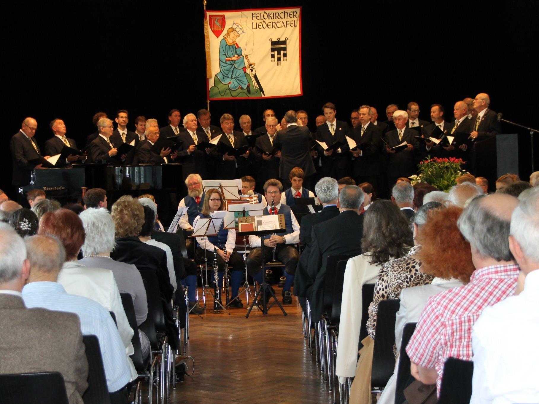 Voll besetzter Pförtnersaal beim 150-jährigen Liedertafel-Jubiläum.