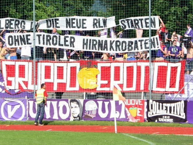 Professionell und vorbildlich hat sich die Austria Salzburg Anhängerschar in Dornbirn verhalten.