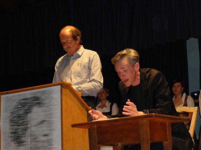Der Vortragende Siegfried Amadäus Jud und Rezitator Gotthard Bilgeri