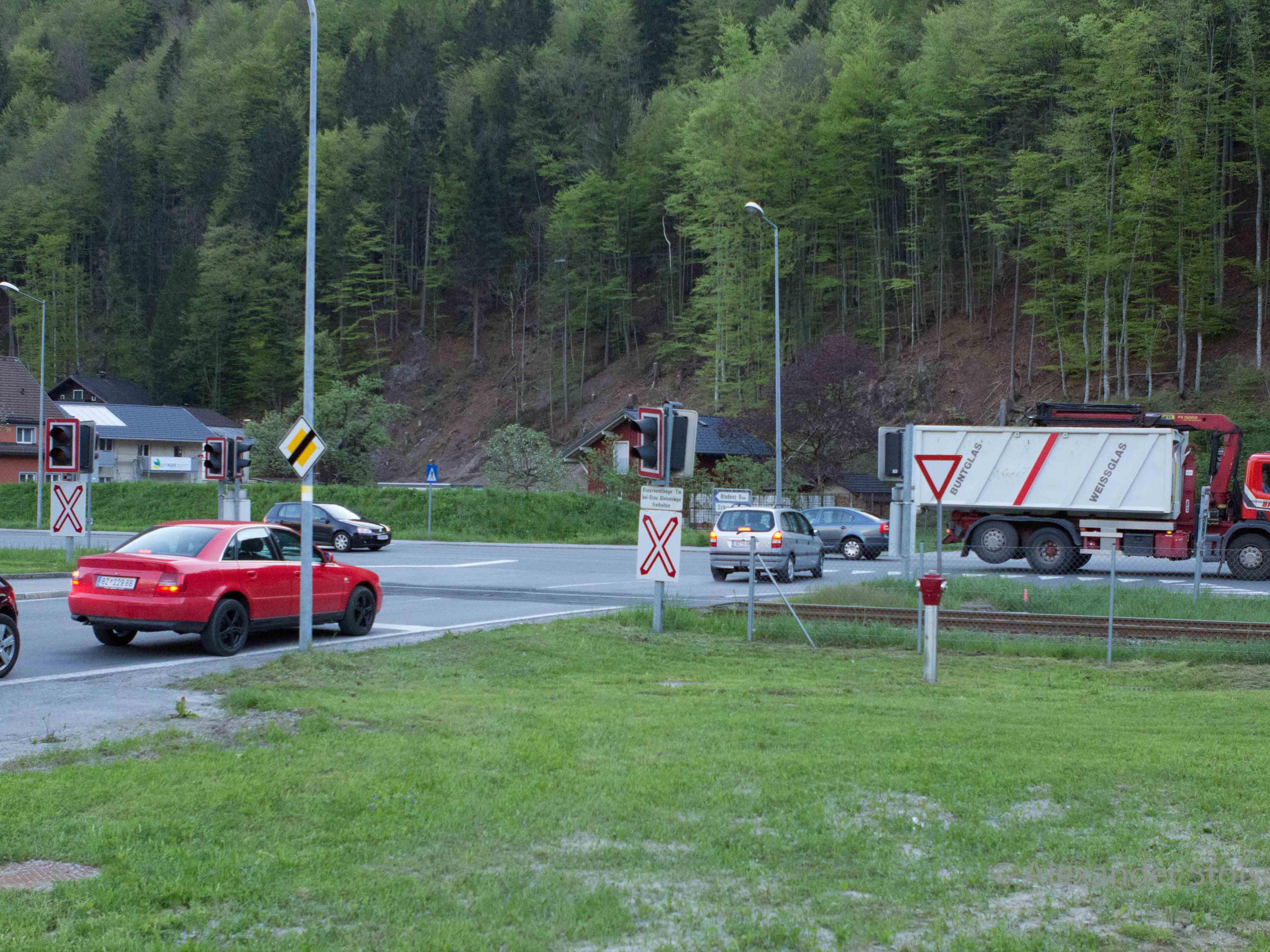 Die Kreuzung der Bahnhofstraße mit der L188 soll durch eine Ampel geregelt werden.