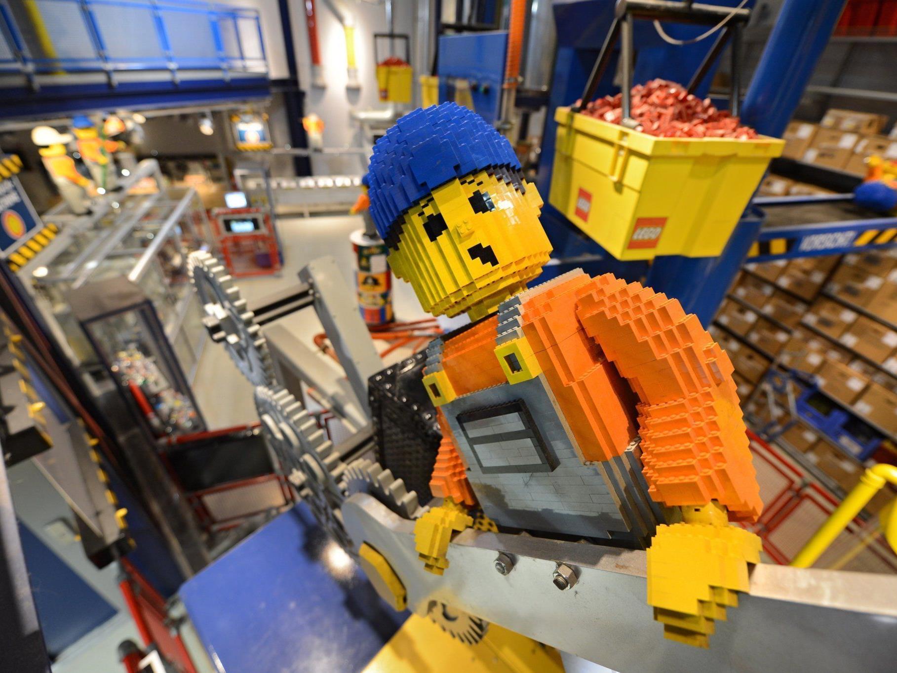 """""""Hunderte"""" ungeöffnete Legoschachteln in Villa eines Software-Managers gefunden."""