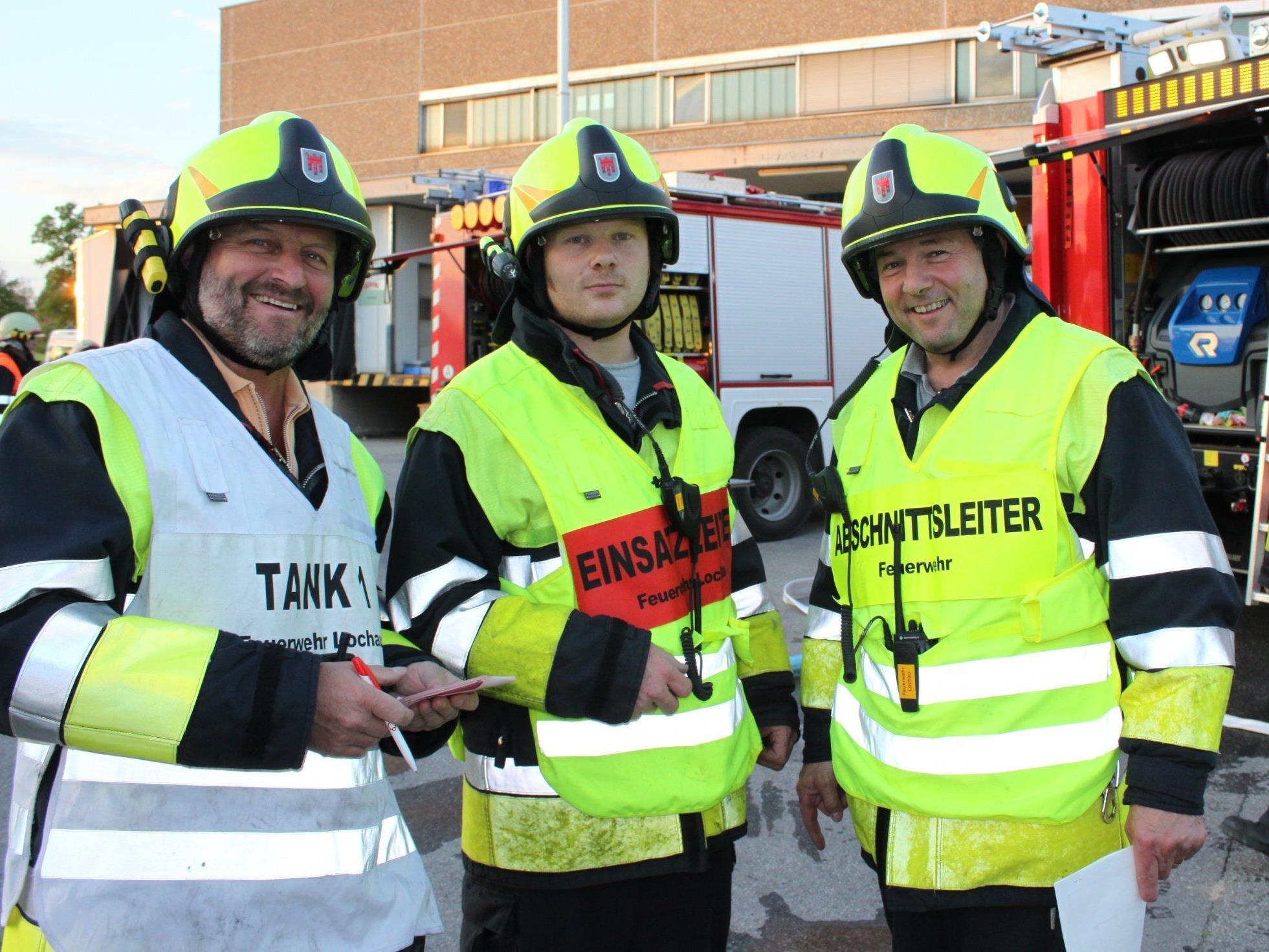 Gerhard Baldauf, Mario Hauss und Dietmar Heiß von der Lochauer Wehr zogen eine positive Übungsbilanz.