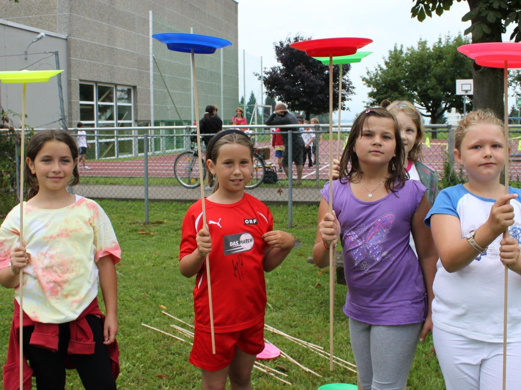 Wo der Spielebus auftaucht, ist für Kinder jede Menge Spaß angesagt.
