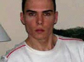Porno-Darsteller Luka Rocco Magnotta wird wegen Mordes gesucht.