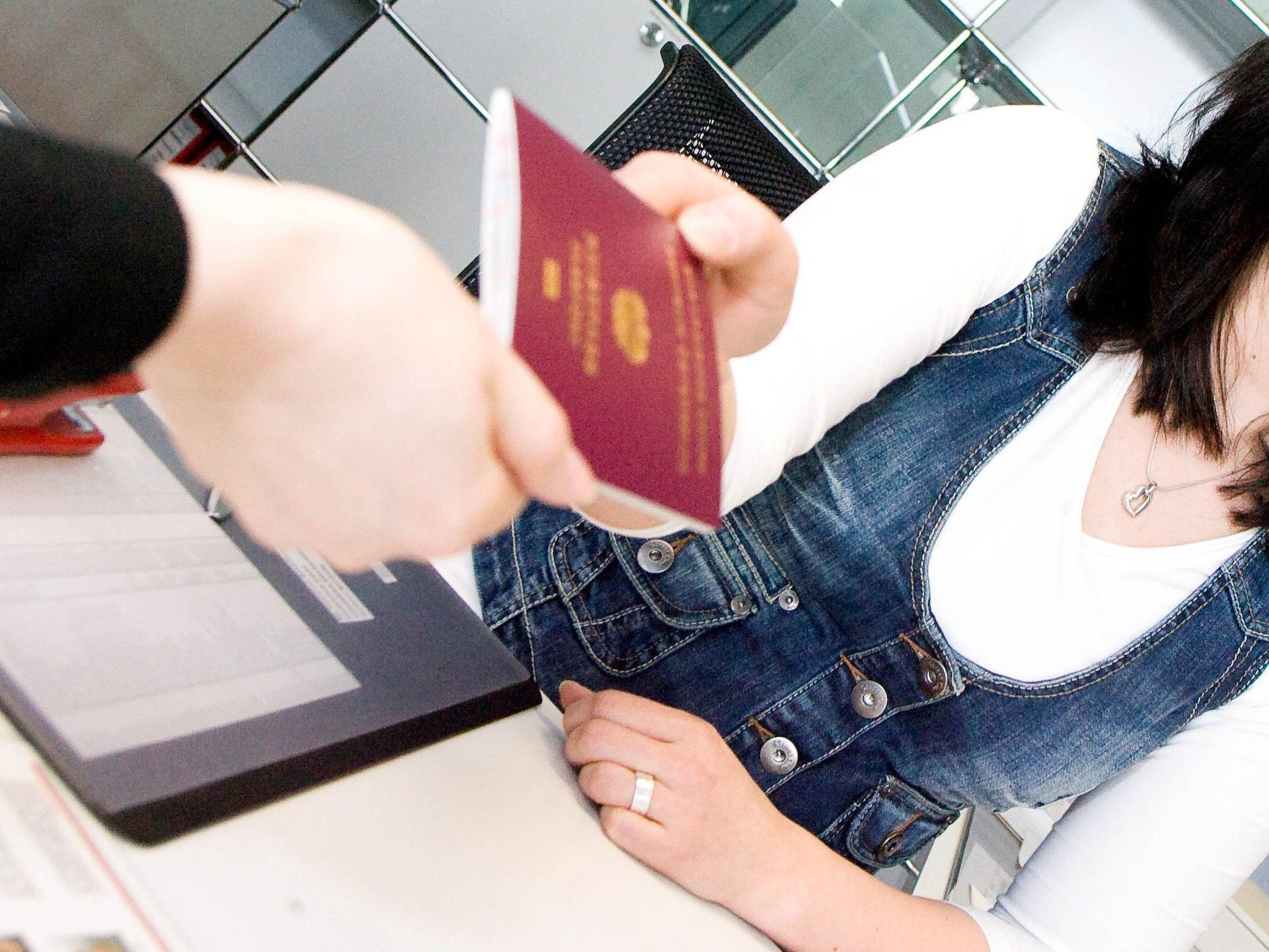 Bei erfolgreicher Absolvierung können die Teilnehmer bereits nach rund vier bis sechs Wochen einen österreichischen Pass in Händen halten.