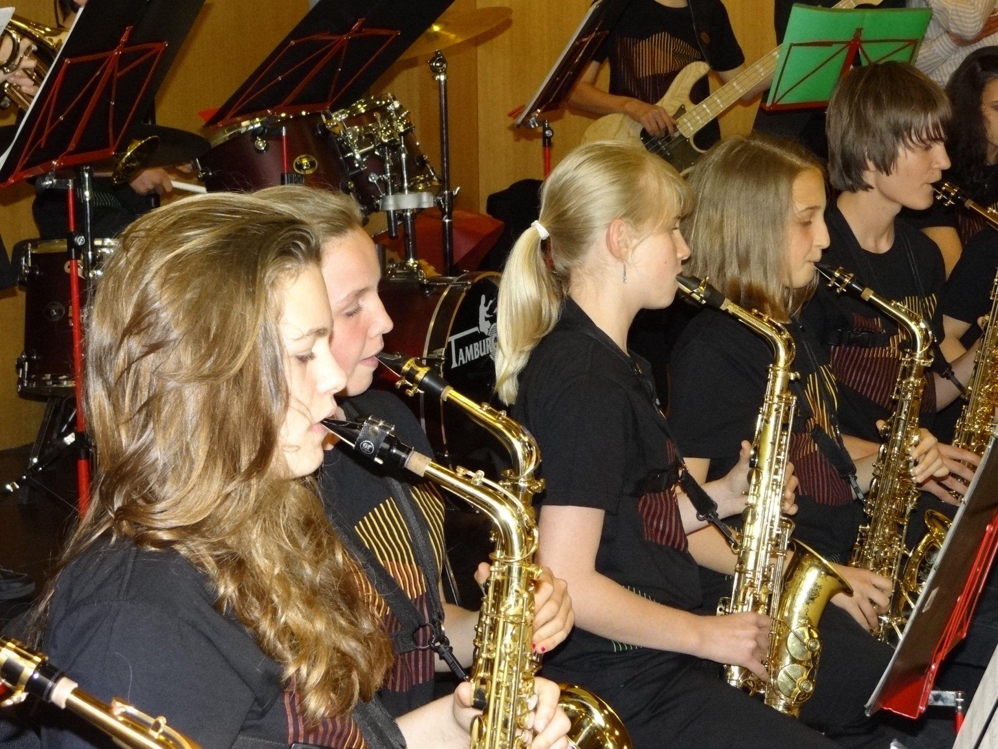 Zahlreiche Zuhörer bejubelten die Premiere der neuen Big Band der Musikmittelschule Götzis AmBach