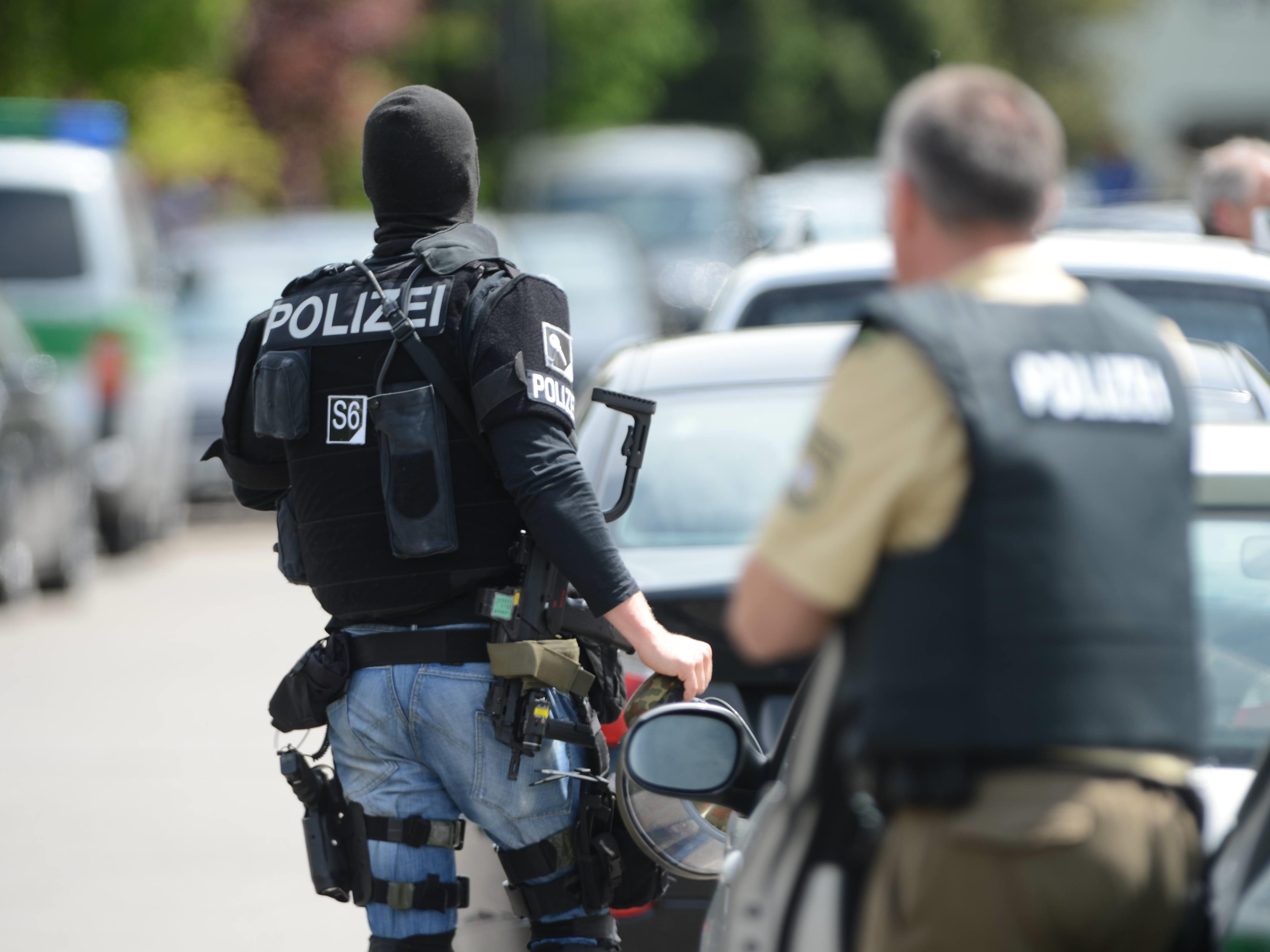 Polizei durchsucht Schule in Memmingen nach bewaffnetem Schüler