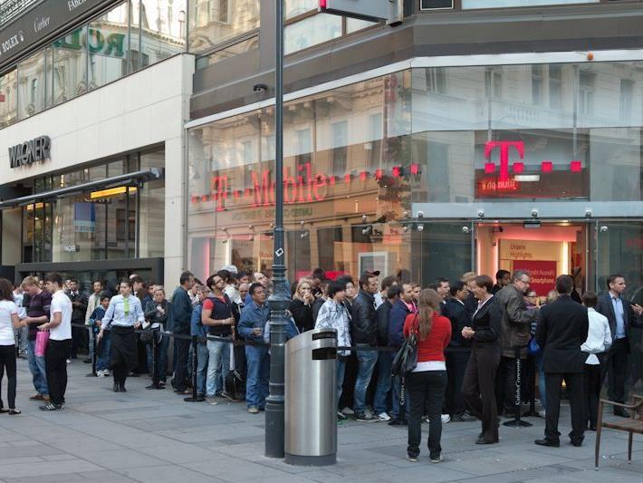 Noch gar nicht auf dem Markt und schon so viele Fans: Das Samsung S3 bewegt auch in Wien zum Frühaufstehen