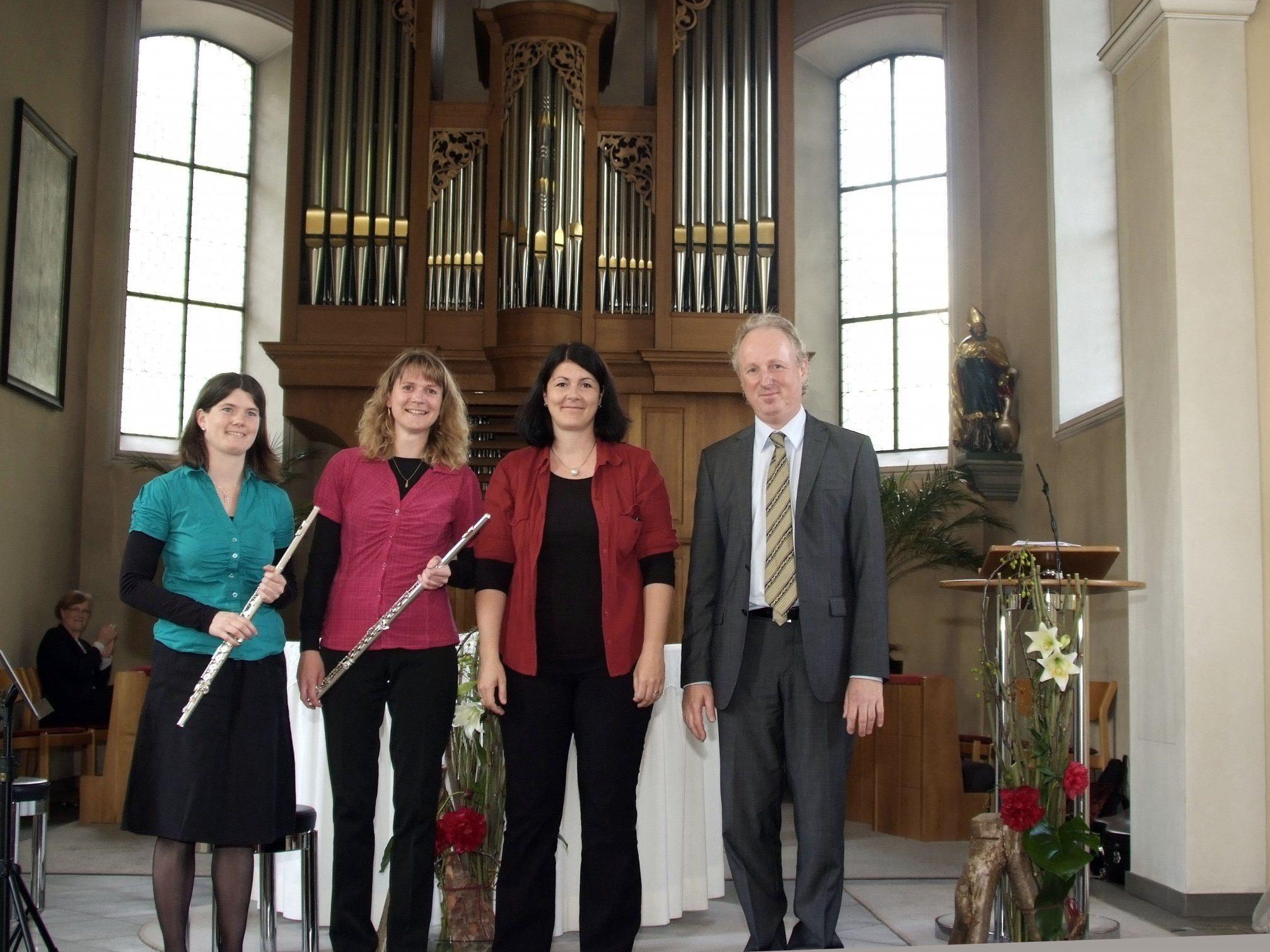 Bernhard Loss beeindruckte mit seinem virtuosen Spiel. Das Damen-Trio überraschte ebenfalls.