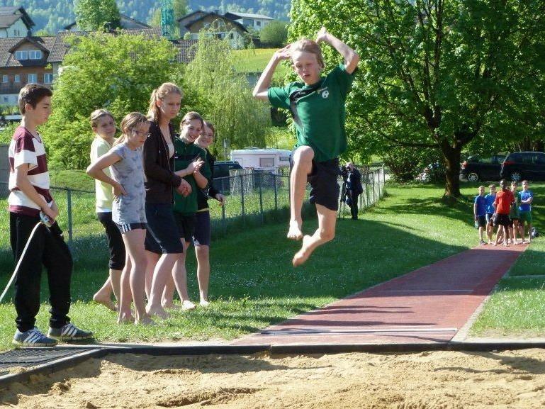 Wälder Schüler zeigten bei der Leichtathletik-Bezirksmeisterschaft hervorragende Leistungen.