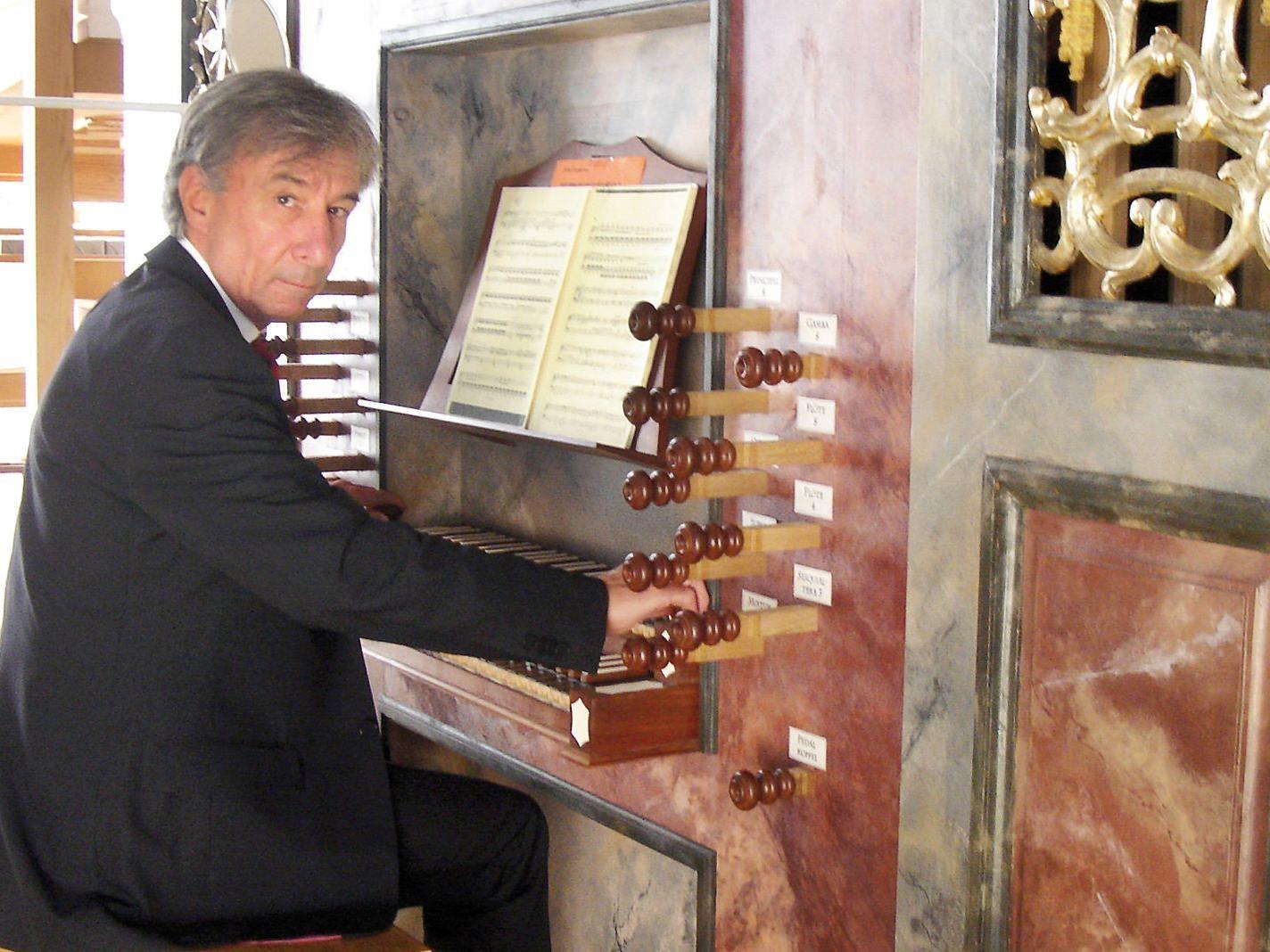 Prof. Bruno Oberhammer spielt am 14. Mai in der Pfarrkirche Höchst Bach.