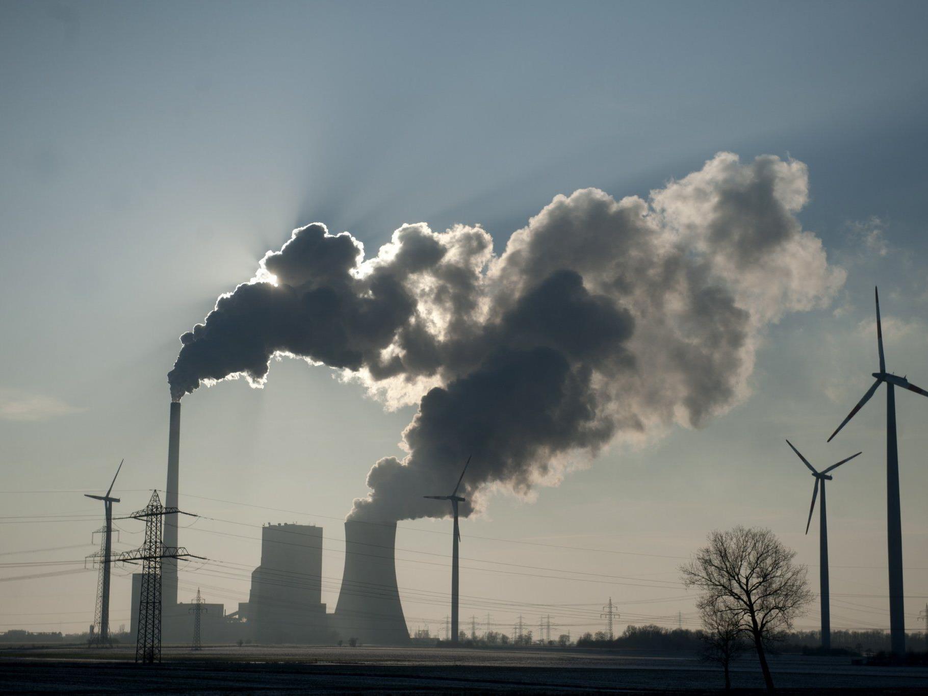 31,6 Gigatonnen (31.600.000.000 Tonnen) CO2-Ausstoß durch fossile Brennstoffe.